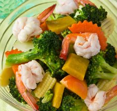 Shrimp and Mandarin oranges are a nice combination in this Asian stir-fry.