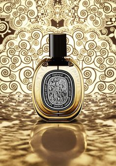 Oud Palao: The new Eau de Parfum diptyque. Perfume Scents, Perfume Bottles, Fragrance, Liquor Bottles, Les Beatles, Perfume Packaging, Cosmetics & Perfume, Beautiful Perfume, Perfume Collection