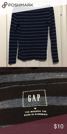Gap T-shirt Long sleeve striped t-shirt in good condition. Any questions please ask. GAP Tops