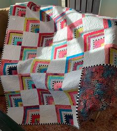 Log Cabin Quilt Pattern, Log Cabin Quilts, Log Cabins, Modern Quilting, Quilting Ideas, Quilt Patterns, Bright Quilts, White Quilts, Star Quilts
