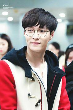 Stunning EXO Wearing Glasses Photos • Kpopmap