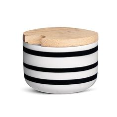 Omaggio Sugar Bowl Designer: Stilleben Manufactured by: Kahler Dimensions (in): 2.4 h | 3.0 w A charming, small sugar bowl with the popular black stripe that ch