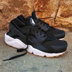 a7a9c0ac6b8a Nike Air Huarache Wmns