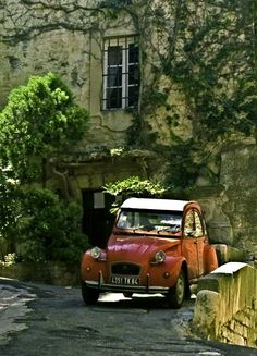 France /Red car