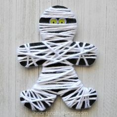 yarn wrapped mummy craft is perfect for little ones for a fine motor activity. It makes a great Halloween kids craft too.This yarn wrapped mummy craft is perfect for little ones for a fine motor activity. It makes a great Halloween kids craft too. Fall Crafts For Kids, Toddler Crafts, Holiday Crafts, Kids Crafts, Preschool Halloween Crafts, Fall Crafts For Preschoolers, Haloween Craft, Kindergarten Halloween Party, Halloween Arts And Crafts