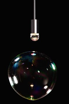 Ephemeral Lamp Made of Constant Bursting Bubbles