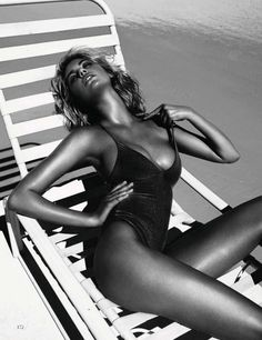 KateUpton05 Kate Upton Sizzles in Vogue Spain July 2012 by Miguel Reveriego