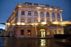 Roadtrippin Innere Stadt Albertina Albertina, Heart Of Europe, Art Deco, Mansions, House Styles, Decor, Vienna, City, Architecture