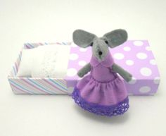 Felt miniature mouse plum violet in matchbox by atelierpompadour, €19.00
