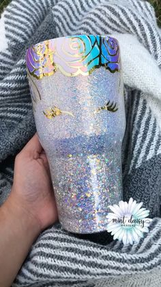 Create your own unicorn tumbler! This listing comes with: Choice of glitter (up to 2 glitter colors) Decal of your choice Face seen on photo will be the same. Diy Tumblers, Glitter Tumblers, Glitter Cups, Personalized Tumblers, Custom Tumblers, Diy Gifts For Dad, Mom Gifts, Unicorn Cups, Tumblr Cup