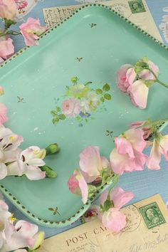 Vintage Home - Beautiful Hand Painted Floral Tray .