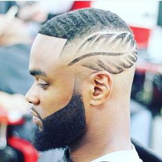 Hair style of the day: boss haircuts for men ! Black Men Haircuts, Black Men Hairstyles, Boy Hairstyles, Haare Tattoo Designs, Beard Game, Haircut Designs, Hair Tattoos, Shaved Hair, Fade Haircut