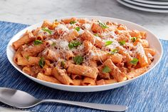 Save time with our Easy Chicken Parmesan! Bake chicken in spaghetti sauce to infuse your Easy Chicken Parmesan with flavor, no breading or frying required. Stuffed Pepper Casserole, Stuffed Peppers, Sausage Rigatoni Recipes, Olive Oil Pasta Sauce, Easy Chicken Parmesan, Creamy Tomato Sauce, Sauce Tomate, Homemade Pasta, Cooking Instructions