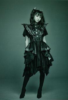 Japanese Girl Band, Early 2000s Fashion, Moa Kikuchi, Heavy Metal Bands, Girl Bands, Visual Kei, My Favorite Music, Cosplay Girls, Black Metal