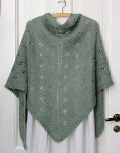 trekantet sjal m hulmønster Knit Cowl, Knitted Shawls, Crochet Shawl, Knit Crochet, Lace Shawls, Vintage Crochet Patterns, Knitting Patterns Free, Free Knitting, Knitting Basics