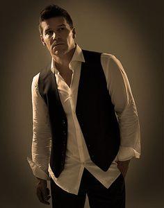 David Boreanaz as Seely Booth!!!!  SO HOT!