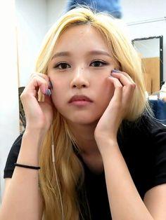 Myoui Mina, Twice Sana, My Wife, S Pic, Nayeon, Kpop Girls, Pretty Girls, Cool Girl, Fashion Beauty