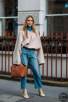 Pernille Teisbaek by STYLEDUMONDE Street Style Fashion Photography FW18 20180216_48A8041
