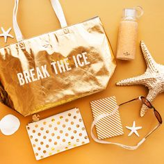 """Kate Spade """"Break The Ice"""" Insulated Cooler Tote Metallic Gold Insulated Cooler Tote. Great for the Pool or Beach, even just a picnic! Kate Spade Gifts, Kate Spade Tote Bag, Ice Shop, Spring Break, Summer, Reusable Tote Bags, Blog, Fashion Design, Accessories"""