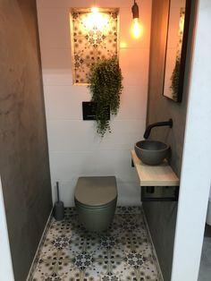 Toilet And Bathroom Design, Small Toilet Room, Guest Toilet, Toilet Design, Small Bathroom, Understairs Toilet, Casa Retro, Cosy House, Countertop Basin