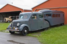 1938 International D15 /1936 Curtiss Aerocar - Tin Can Tourist! I LUV old camper trailers and RV's.