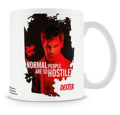 Taza normal people. Dexter Estupenda taza de recuerdo que encantará a los fans de la serie de TV Dexter, con capacidad para 330 ml, fabricada en material de cerámica y 100% oficial y licenciada. Ideal para regalar.