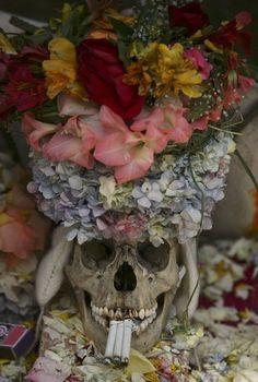 ~ Mexican Witchcraft or Brujeria ~ ~ Santa Muerte ~ ~ Honoring the dead on Dia De Los Muertos ~ Skull Decor, Skull Art, Bolivia, Rachel Brice, Day Of The Dead Art, Skull And Bones, Memento Mori, Samhain, Floral Wreath