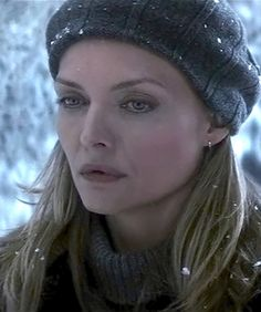 Michelle Pfeiffer as Claire Spencer in the movie What Lies Beneath