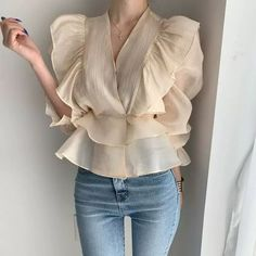 Iranian Women Fashion, Casual Winter Outfits, Blouse Designs, Blouses For Women, Trendy Fashion, Fashion Dresses, Ruffle Blouse, Clothes, Style