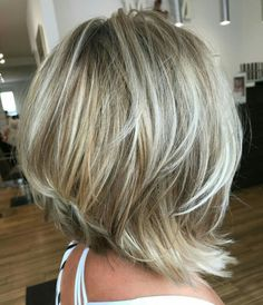 Trendy Hair Color And Haircut Are Fascinating - Hair Cuts Medium Length Hair Cuts With Layers, Short Hair Cuts, Medium Hair Styles, Curly Hair Styles, Short Layered Haircuts, Bob Haircuts, Short Layered Bobs, Layered Bob Hairstyles, Men Hairstyles