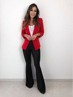 New party outfit casual jeans pants ideas Work Fashion, Trendy Fashion, Trendy Style, Look Office, Look Blazer, Red Blazer, Casual Outfits, Fashion Outfits, Casual Jeans