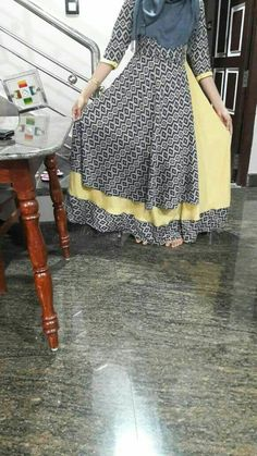 Stylish Dresses, Women's Fashion Dresses, Casual Dresses, Maxi Dresses, Long Dress Design, Dress Neck Designs, Indian Gowns Dresses, Pakistani Dresses, Frocks And Gowns