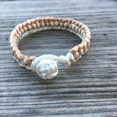 Macramé bracelet #diy #diyjewelry #diybracelet #handmade #handmadejewelry #kidsjewelry #kindersieraden #chunkpalace #fashion #creatief #creative #creatieveworkshops #workshop #workshops #fashion #ibizastyle #ibizajewelry #boho #bohostyle #bohojewelry #bohemian #bohemianstyle #bohemianjewelry