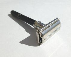 Vintage Gillette Long Handle Super Adjustable Black Beauty Double Edge Safety Razor