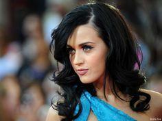 Katy Perry Makeup & Curls