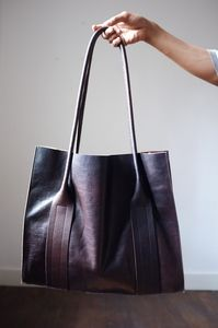 Leather hand made bag by Flanel - Atelier Solarshop - Antwerp -  www.ateliersolarshop.be