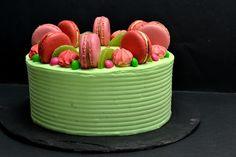 Bolo de Kiwi e Morango || Kiwi-Strawberry Cake