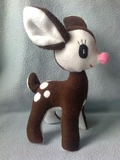 Őzike 25 cm Christmas Crafts, Christmas Ornaments, Felt Crafts, Hello Kitty, Dinosaur Stuffed Animal, Toys, Holiday Decor, Animals, Home Decor