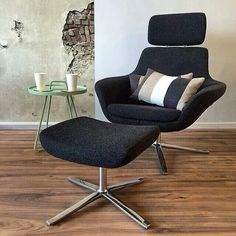 Coalesse Bob Chair is the perfect lounge chair for personal focus.