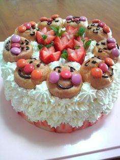 Anpanman cake.  Oh, how I love Anpanman!!!!  :)