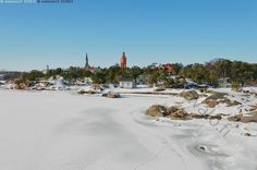 Aurinkoinen merenranta - Hanko Uusimaa Hankoniemi Itämeri merenranta talvi kallio kalliot lumi jää lumipeite aurinkoinen