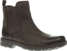 UGG australia Dark Brown Runyon Mens Boots UGG deliver an ultimate A/W wardrobe staple in the shape of the Runyon. This sturdy Chelsea boot features a waterproof leather upper and UGGpure wool and Thinsulate lining to protect you from the wett http://www.comparestoreprices.co.uk/january-2017-8/ugg-australia-dark-brown-runyon-mens-boots.asp