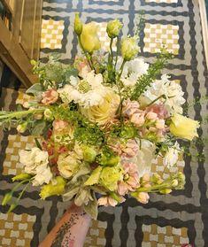 Atelier Dual Bucharest #atelierdual #bride #bouquet #floraldesign Atelier Design, Design Floral, Bucharest, Decoration, Bouquet, Bride, Spring, Decor, Wedding Bride
