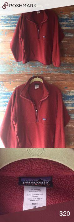 Half zip Patagonia Patagonia with kangaroo pocket. Good condition. Men's size medium. Patagonia Tops Sweatshirts & Hoodies
