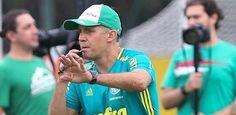 Em treino fechado, Eduardo Baptista ensaia time titular do Palmeiras - Futebol - https://anoticiadodia.com/em-treino-fechado-eduardo-baptista-ensaia-time-titular-do-palmeiras-futebol/