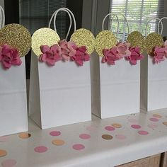 Items similar to Gold Pink and Floral Minnie Mouse Baby Shower/ Birthday/ Party Favors/ Bags/ Goodie/ Goody/ Gifts/ Candy/ Treat Bags/ Supplies/ Decoration on Etsy Minnie Mouse Favors, Minnie Mouse Party Decorations, Minnie Mouse Theme Party, Minnie Mouse First Birthday, Minnie Mouse Pink, Baby Girl First Birthday, 2nd Birthday, Mini Mouse Baby Shower, Idee Baby Shower