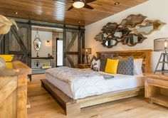 Room for Improvement: Perfect cottage guest suite combines elegance and organic flair Dream Bedroom, Master Bedroom, Cabin Pressure, Lake House Plans, Room For Improvement, Guest Suite, Home Furniture, Living Spaces, Cottage Rentals