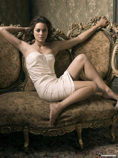 Marion Cotillard in Shirred Tu. is listed (or ranked) 4 on the list Hottest Marion Cotillard Photos Marion Cotillard, Boudoir Photography, Portrait Photography, Glamour Photography, Poses, A Very Long Engagement, French Actress, Foto Pose, Fashion Mode