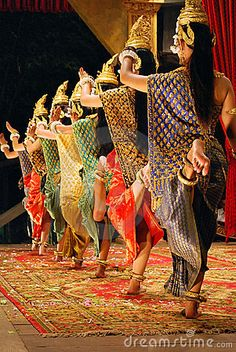 APSARA....KHMER TRADITIONAL DANCERS.....CAMBODIA......YAHOO IMAGES......