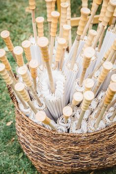Parasol favors for a summer wedding